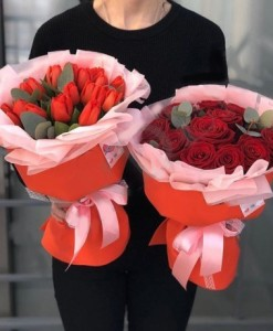 1450 1300 красные розы и тюльпаны