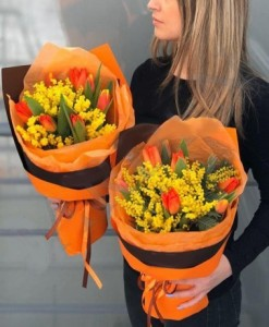 Мемоза и тюльпаны